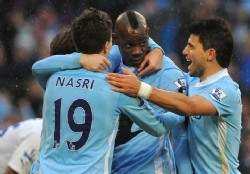 Todo sigue igual: ganaron City y United